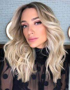 Medium to Long Blonde Haircuts & Highlights for 2020 #hairstyles #hairstyles #2020 #trends