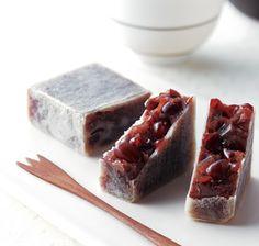 Kintsuba (sweet bean in wheat flour, in shape of sword 'tsuba')