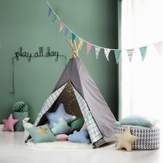 DIY Tipi for kidsroom Baby Co, Diy Baby, Baby Kids, Sewing For Kids, Baby Sewing, Diy For Kids, Diy Tipi, Marianne Design, Kids Corner