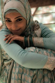 Hijab in Indian style . Islamic Fashion, Muslim Fashion, Hijab Fashion, We Are The World, People Of The World, Muslim Girls, Muslim Women, Beautiful People, Beautiful Women