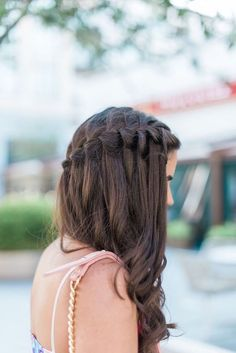 Waterfall Hairstyle Peinados Hair Braided Hairstyles Hair Styles - My list of the most creative hairstyles Chic Hairstyles, Braided Hairstyles, Wedding Hairstyles, School Hairstyles, Winter Hairstyles, Hairstyle Ideas, Bridesmaid Hairstyles, Amazing Hairstyles, Hairstyles 2018
