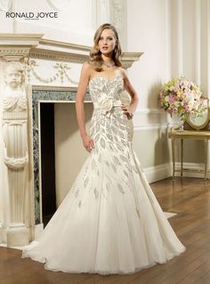 20 Fascinating And Gorgeous Wedding Dresses/ He said yes to this dress