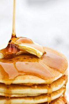 Μοιάζουν πολύ με τις δικές μας τηγανήτες. Είναι ίσως πιο μεγάλες και λίγο πιο παχιές. Δεν θα σου πάρει πάνω από δέκα λεπτάκια και θα έχεις ένα ξεχωριστό πρωινό, με ζάχαρη για την απαραίτητη ενέργεια που θέλεις για να ξεκινήσεις την ημέρα σου.