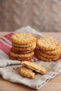 42 Superb Sandwich Recipe Stellungnahmen- sandwich recipe - oatmeal sandwich bread recipe oats make a bread which is characteristically tender moist and just slightly sweet the perfect foil fo. Victoria Sandwich Cake, Grill Cheese Sandwich Recipes, Norwegian Food, Delicious Sandwiches, Oatmeal Recipes, Food 52, Cake Recipes, Food And Drink, Cooking Recipes