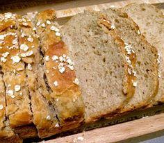 Pão de aveia - curiosa a respeito da textura. Será de bolo?
