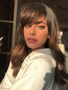 The Best Bangs For Your Face Shape - Pretty people Redhead Girl, Brunette Girl, Brunette Beauty, Beauty Makeup, Hair Makeup, Hair Beauty, Hair Inspo, Hair Inspiration, Kitchen Inspiration