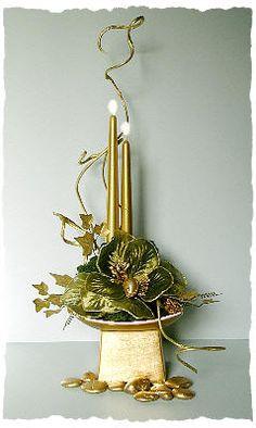 CHRISTMAS FLOWER ARRANGING BY CHRISSIE HARTEN - CHRISTMAS DESIGN 11