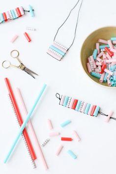 After school kid craft idea diy straw bead bracelets momtastic. Crafts For Kids To Make, Crafts For Teens, Crafts To Sell, Easy Crafts, Kids Crafts, Easy Diy, Plastic Straw Crafts, Diy Straw Crafts, Straw Weaving