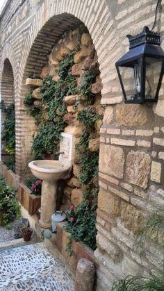 Fuente en el patio de entrada de la Casa de los Infantes