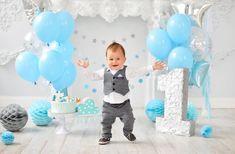 1st Birthday Photoshoot, Baby Boy 1st Birthday Party, 1st Birthday Cake Smash, Birthday Highchair Decorations, 1st Birthday Pictures, Foto Baby, Birthday Photography, Boy Decor, First Birthday Pictures