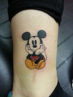 Mickey and Disney Tattoo to Inspire - - Bff Tattoos, Cartoon Tattoos, Tattoos For Kids, Little Tattoos, Finger Tattoos, Future Tattoos, Body Art Tattoos, Small Tattoos, Family Tattoos