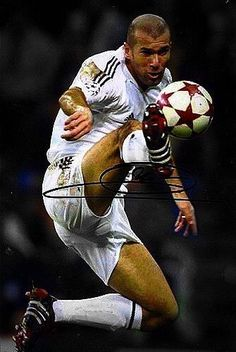 Most Trusted Online Betting Malaysia Agency that offers the best player experience in Sportsbook, Online Casino and Live Betting Games. Real Madrid Champions League, Real Madrid Team, Real Madrid Players, Soccer Guys, Good Soccer Players, All Star, Zinedine Zidane Real Madrid, Cristiano Ronaldo Portugal, Humor