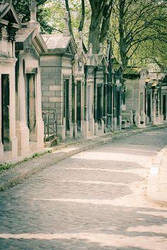 Père Lachaise Cemetery, Paris, France... What an amazing cemetery!