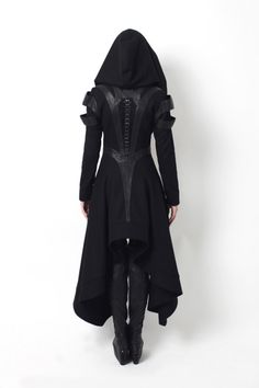 face-down-asgard-up:  cchauvet:  askshivanulegacy:  declencheurs:  Gelareh designs coats  You mean Sith fashion.  ATTN: powerfulfemalecharacter  I WANT THESE  Aelin Ashryver af