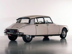 1969 Citroen ID19 Special Berline Citroen Ds, French Classic, Classic Cars, Automobile, S Car, Car Tuning, Old Cars, Vintage Cars, Race Cars
