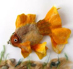 Felted fish purse cosmetic Golden  Fish  Yellow Red by galafilc, o Etsy