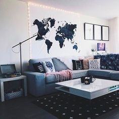"1,062 Me gusta, 8 comentarios - Society6 (@society6) en Instagram: ""In love with @kalynnicholson13's setup. How many pieces from Society6 do you spy?  #HomeDecorGoals…"""