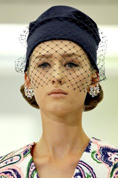 Jil Sander - runway (please let this augur the re-introduction of elegant hats as a common accessory).