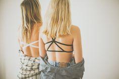 He encontrado este interesante anuncio de Etsy en https://www.etsy.com/es/listing/184849519/womans-bra-060-strappy-star-black-bra