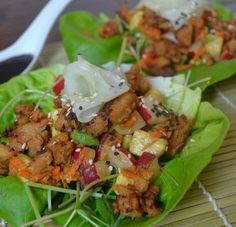 Spicy Seitan Lettuce Wraps with Avocado Radish Salad Vegaterian Recipes, Seitan Recipes, Healthy Recipes, Homemade Seitan, Homemade Bbq, Veggie Delight, Whole Foods Market, Lettuce Wraps, Vegan Foods