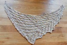 Ravelry: Mascarade pattern by Corinne Ouillon, free Shawl Patterns, Knitting Patterns Free, Free Knitting, Free Pattern, Knitting Scarves, Knitted Shawls, Crochet Shawl, Knit Crochet, Knit Wrap