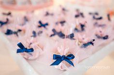 Esse foi o Chá de bebê Azul Marinho e Rosa publicado no blog da  Constance Zahn . Fizemos essa decoração a partir da papelaria com estamp...