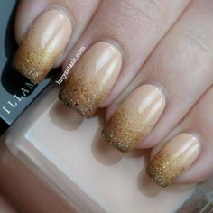 Nail Art is one of the simplest ways to make a fashion statement. Hot coral, lilac, teal, creamsicle…these are top nail polish shades of the season. Fancy Nails, Love Nails, How To Do Nails, My Nails, Nail Art Modele, Manicure E Pedicure, White Manicure, Glitter Manicure, Gold Nails