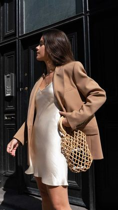 Blazer Weather Out in London wearing ivory slip dress and tan blazer for the perfect fall outfit. Source by Dress street style Classy Outfits, Trendy Outfits, Cute Outfits, Fashion Outfits, Fashion Tips, Blazer Fashion, Classy Wear, Classy Girl, Classy Chic