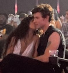 Shawn Mendes Kissing, Okay Bye, Cant Have You, Jawline, Sweet Couple, Washing Clothes, Love Him, Abs, Concert