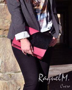 Clutch de piel rosa con detalle de pelo de potro por RaquelMcuero     #raquelmcuero #cuero #hechoamano #artesanía #bolso #moda #handbag #fashion #pulseras #regalos #diseño #gijon #asturias #españa #raquelm #amordelbueno #amorporraquelmcuero #único #especial #cartera #monedero #estilo #lifestyle #actitudraquelmcuero #estilodevida #personalizado