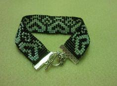 Bead loom bracelet - heart