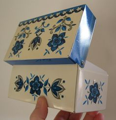 gorgeous English made Vintage retro floral tin by 20thCenturyStuff, £12.00