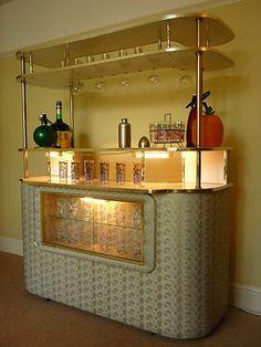 Vintage cocktail bar home drinks cabinet retro Vintage Bar, Vintage Design, Vintage Decor, Retro Vintage, Antique Bar, Retro Chic, Vintage Kitchen, Retro Style, Danish Modern