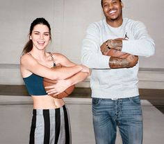 As her career shifts into overdrive, Kendall Jenner talks to Carmelo Anthony and Tory Burch about staying grounded. Kendall Jenner Met, Kendall Jenner Modeling, Kardashian Jenner, Raf Simmons, Vogue Us, Classic Outfits, Editorial Fashion, New Look, Tory Burch