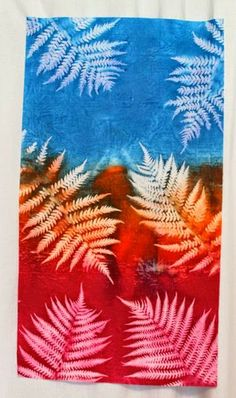 Sun printing experiment with textile paint and screen printing ink Sun Painting, Types Of Painting, Fabric Painting, Fabric Art, Fabric Design, Feather Painting, Shibori, Printing Ink, Printing On Fabric