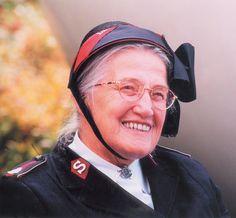 *luitenant-kolonel in het leger des heils (Utrecht 8 juni 1913 - amsterdam 25 juni 2007)*