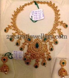 Jewellery Designs: Uncut Diamond Necklace 58 Gms