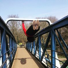 Today weather was amazing and time for those outdoors pictures and videos. Front lever on bridge this Is why I love calisthenics since I've been practicing I don't remember taking one picture standing up. Now days my pictures are looking good forget selfies and get the spirit level out…