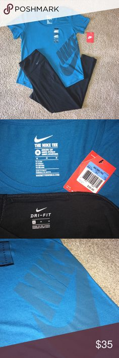 NIKE OUTFIT Bottoms are NWOT never worn. Both size medium Nike Pants Leggings