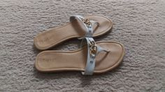 APT 9 Sandals Flats Thong Flip Flops Womens Open Toes Shoes Size 7 #Apt9 #TStrap #Casual
