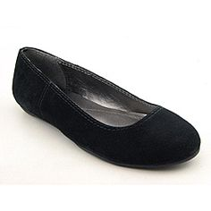 @Overstock - Stay cute and comfortable in the Calvin Klein Jeans Bailey flats. These flats feature a leather or suede upper in smooth or animal print with a round toe and stitch detailing. The rubber outsole gives light traction. Pair these with skinny jeans or...http://www.overstock.com/Clothing-Shoes/Calvin-Klein-Jeans-Womens-Bailey-Gray-Casual-Shoes/6757431/product.html?CID=214117 $46.99