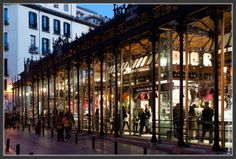 Mercado de San Miguel Madrid Oysters, tapas and great big gin and tonics Muy bien !