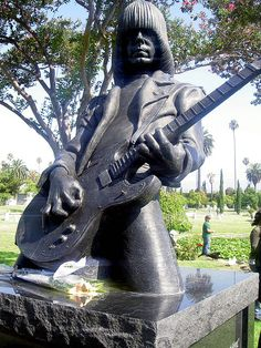 Hollywood Forever Cemetary - Johnny Ramones Memorial