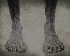 Janne's dirty feet - Painting by Marten Tonnis