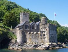 Dartmouth Castle - geograph.org.uk - 725989.jpg