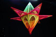Schwarzlicht Psywork Making of Stringart Cyber Blossom #blacklight #schwarzlicht #stringart #fadendeko #deco #string #art #psy #diy