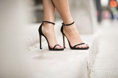 the perfect black scrappy heels