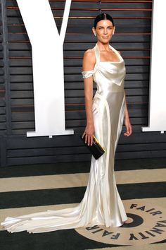 Pin for Later: The 32 Most Wedding-Worthy Dresses to Come Down the Red Carpet For the Minimalist Bride Liberty Ross recycling her vintage Dior wedding dress for Vanity Fair's Oscars party.