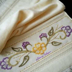 This Pin was discovered by Sem Crewel Embroidery, Embroidery Patterns, Machine Embroidery, Dress Design Sketches, Crochet Bedspread, Decorative Towels, Hand Applique, Bargello, Beading Projects