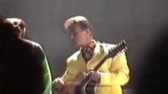 Visualizzazione della miniatura del video David Bowie 6-9-1992 (prima parte).divx